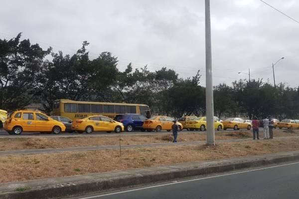 Paro de taxistas en Guayaquil