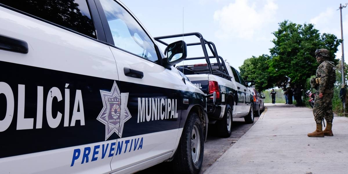 Protesta policiaca en Cancún por reordenamiento de la corporación