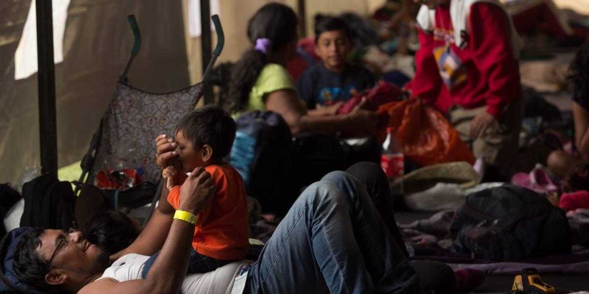 PGR distribuye cartilla de derechos a migrantes que ingresaron a México