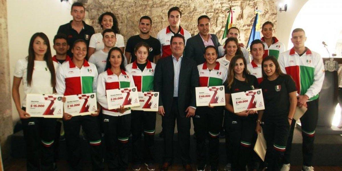 Gobernador de Jalisco siente que entregó buenas cuentas en deportes