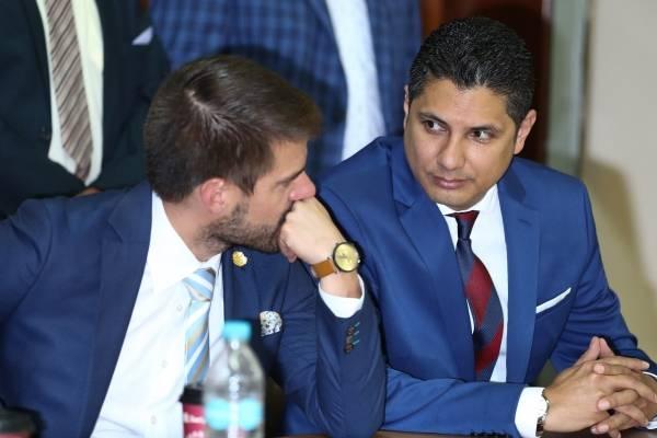 Fernando Balda y su abogado