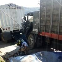 Accidente de tráiler en Km. 35 ruta Palín Escuintla