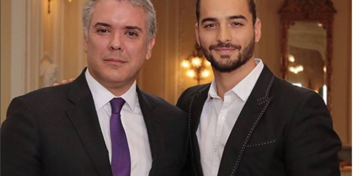 Critican a Maluma por su foto con el presidente de Colombia