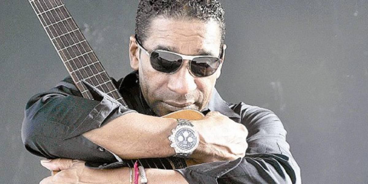 Félix D´Oleo canta a partir de las 9 de la noche en Kviar