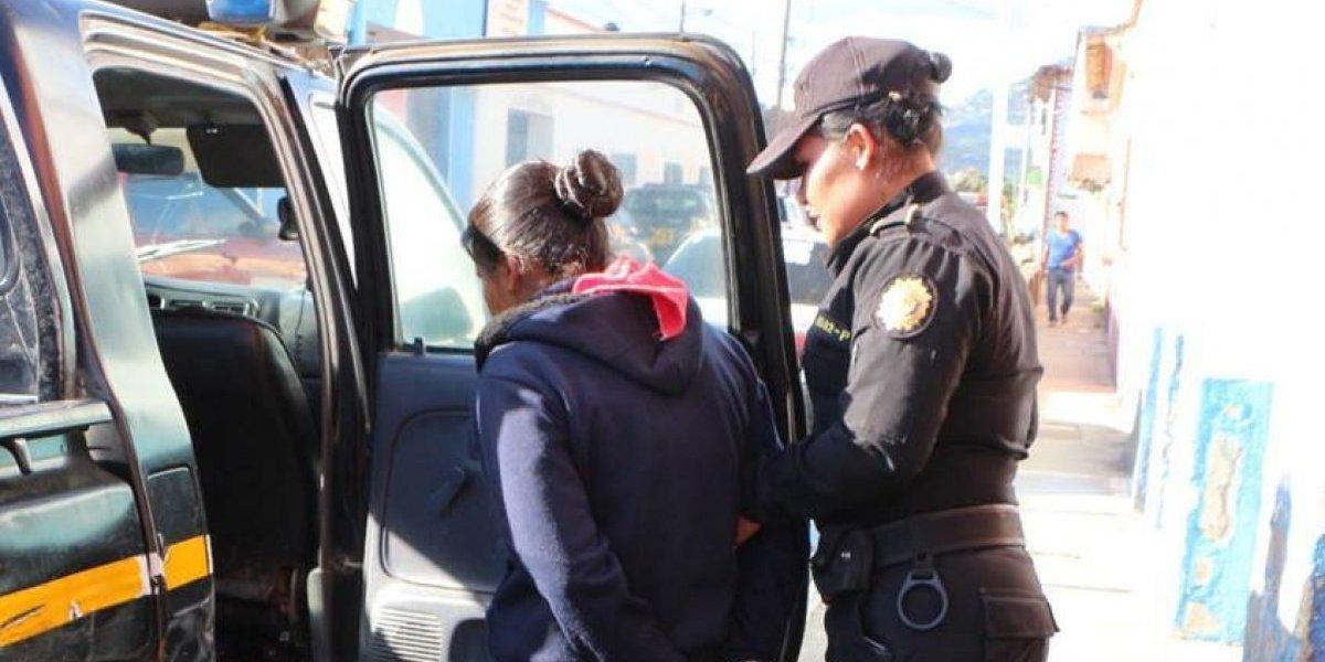 Capturan a hermanas por abandonar a recién nacida en Jalapa