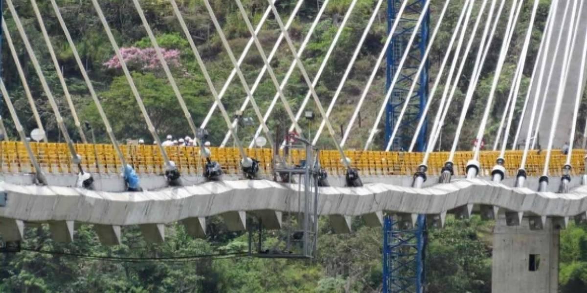 El otro Cau Cau de Latinoamérica: el puente en Colombia que se encogió como acordeón
