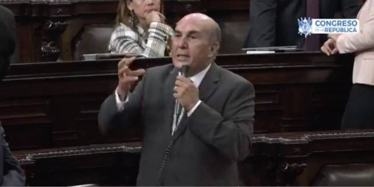 """VIDEO. Mario Taracena llama """"patojo mocoso"""" a Álvaro Arzú Escobar"""