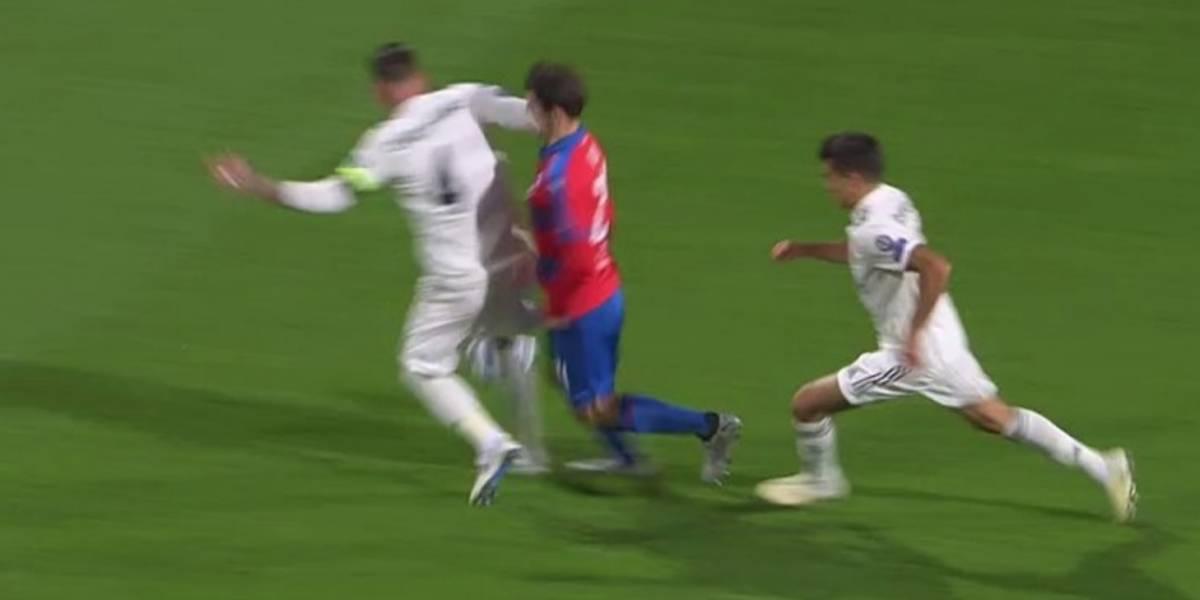 VIDEO: La polémica jugada de Ramos en Champions League