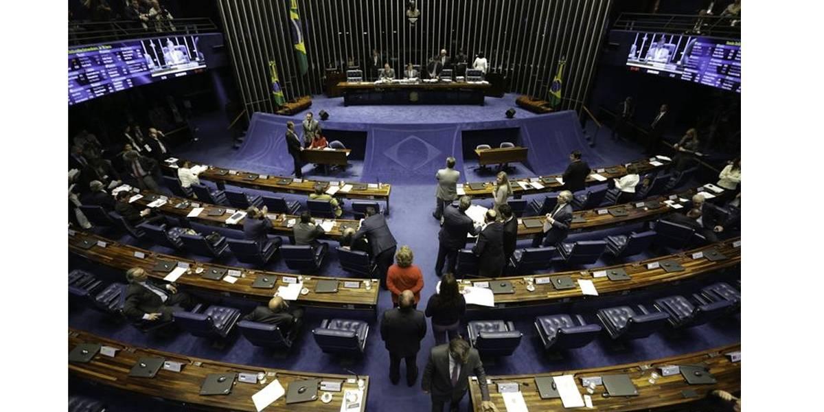 Senadores a favor do voto aberto são maioria; requerimento será apresentado hoje