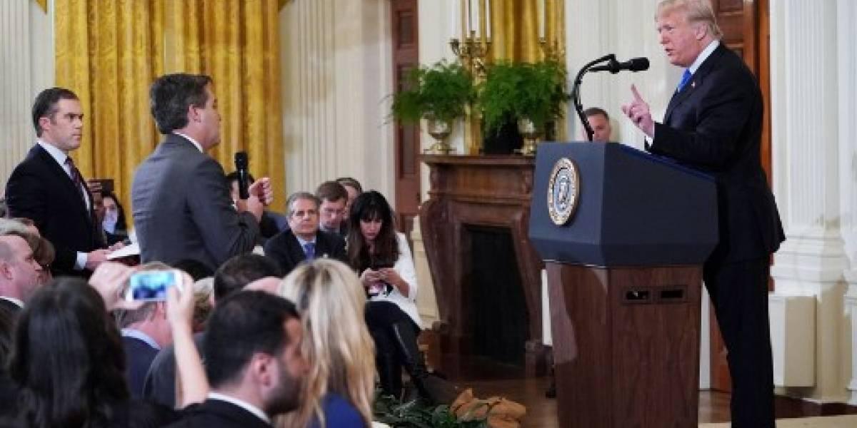 La Casa Blanca retira credencial a periodista de CNN que sostuvo tenso intercambio con Trump