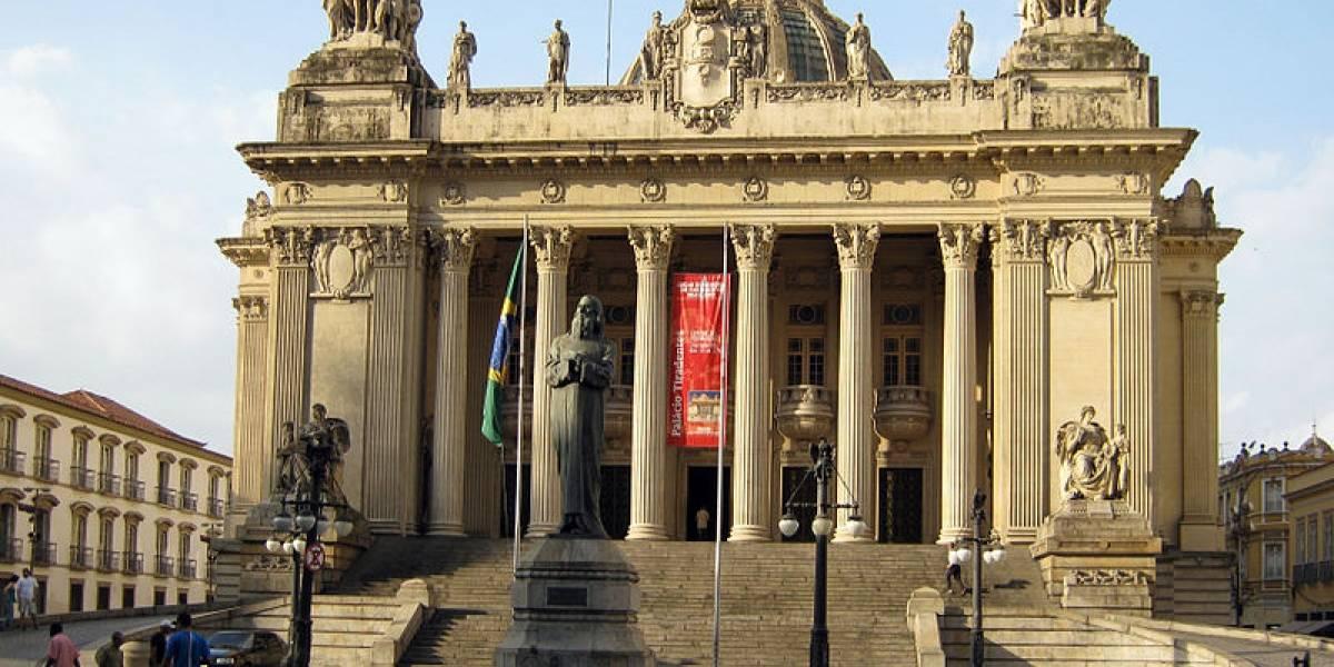 Operação mira 10 deputados da Assembleia do Rio de Janeiro