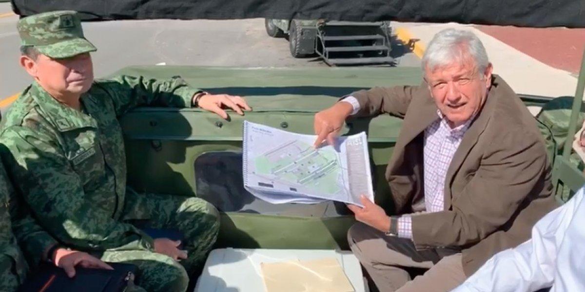 López Obrador recorre Base Aérea Militar de Santa Lucía