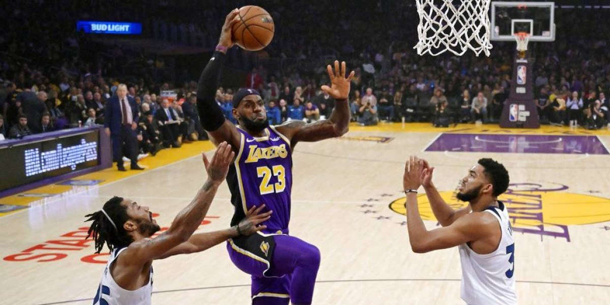 LeBron guía a los Lakers en su quinta victoria