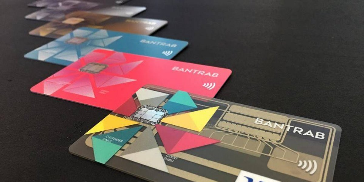 Nuevas tarjetas de crédito con diseños únicos, sistema táctil y tecnología contactless