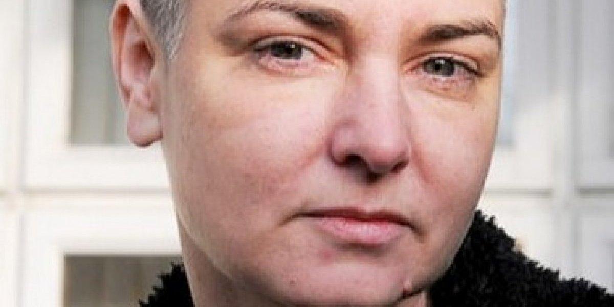 """Sinéad O'Connor evita a la gente blanca porque es """"asquerosa"""""""