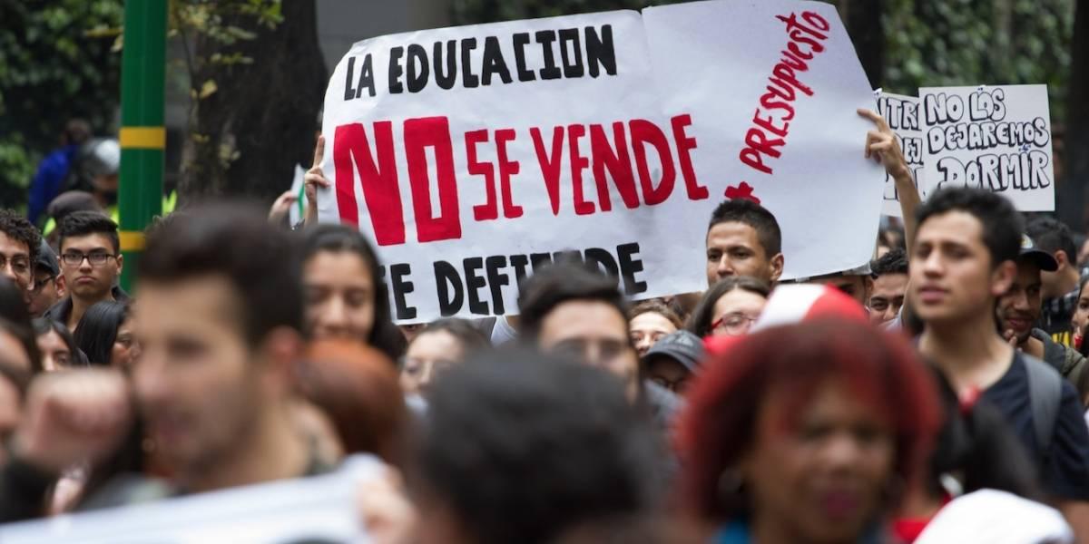 Bloqueos en vías de Bogotá por marchas estudiantiles