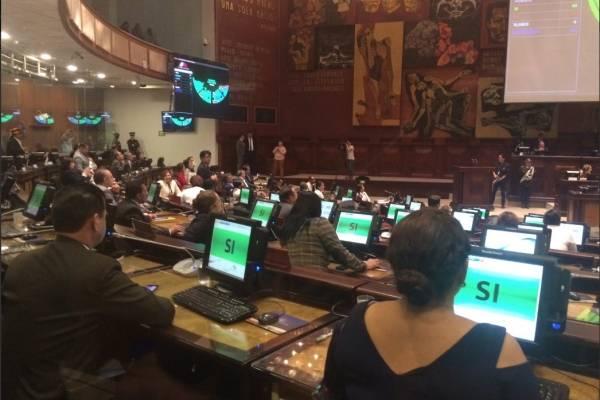 Asamblea aprueba destitución de Sofía Espín y Norma Vallejo