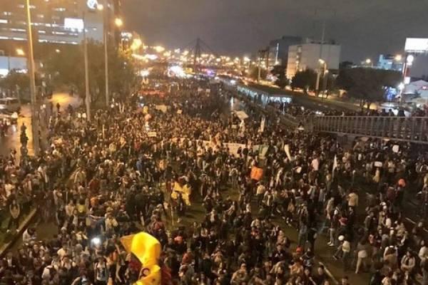 Referencia- conductor arrolla varios manifestantes en el norte de Bogotá