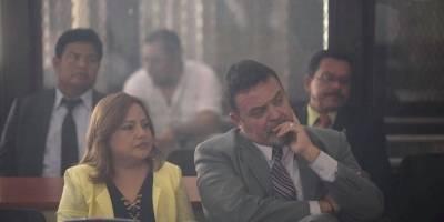 """Condenan al exdirector del sistema penitenciario, Edgar Carmago, y otras seis personas caso """"Botellas"""""""