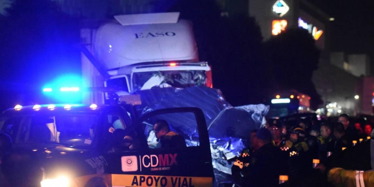 Conductora de tráiler accidentado en Santa Fe podría enfrentar hasta 50 años de cárcel