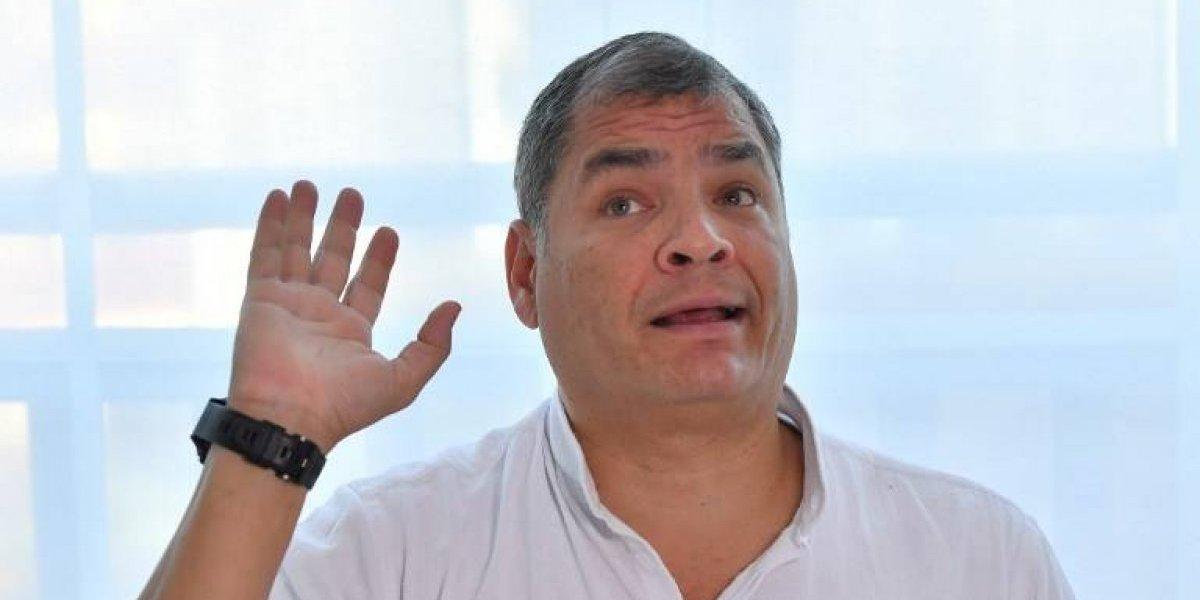 """Expresidente Correa denuncia """"persecución política"""" tras ser llamado a juicio en Ecuador"""