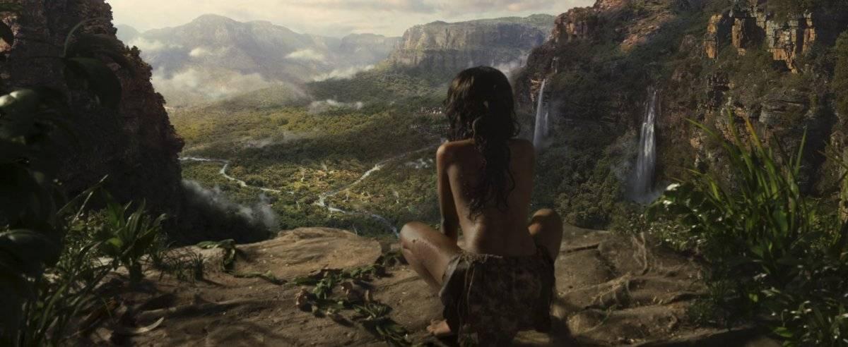 Un niño huérfano criado por animales en el corazón de la selva se convierte en héroe al enfrentarse a un peligroso enemigo… y a sus orígenes. Netflix