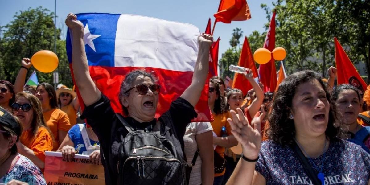 Sindicatos chilenos protestan contra políticas públicas de Piñera