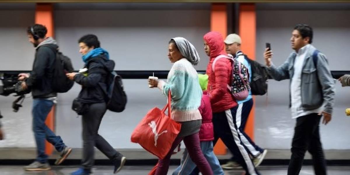 Unos 5,000 centroamericanos dejan capital mexicana y caminan hacia EE.UU.
