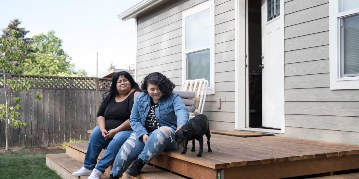 Em meio a crise de moradia, cidades dos EUA incentivam proprietários a abrigar sem-teto no quintal de casa