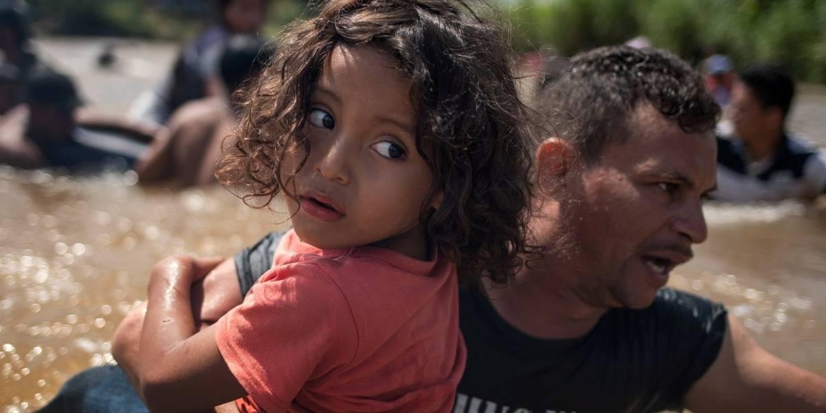 Caravana de migrantes: Trump endurece las reglas de solicitud de asilo para los que crucen a Estados Unidos desde México