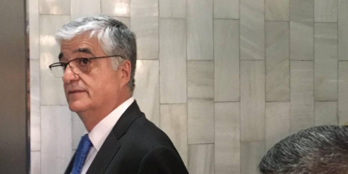 Exministro Vielmann paga fianza para recuperar su libertad