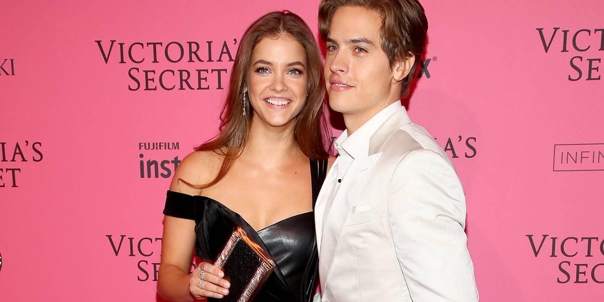Um boy desses! Dylan Sprouse leva fast food para namorada após desfile da Victoria's Secret