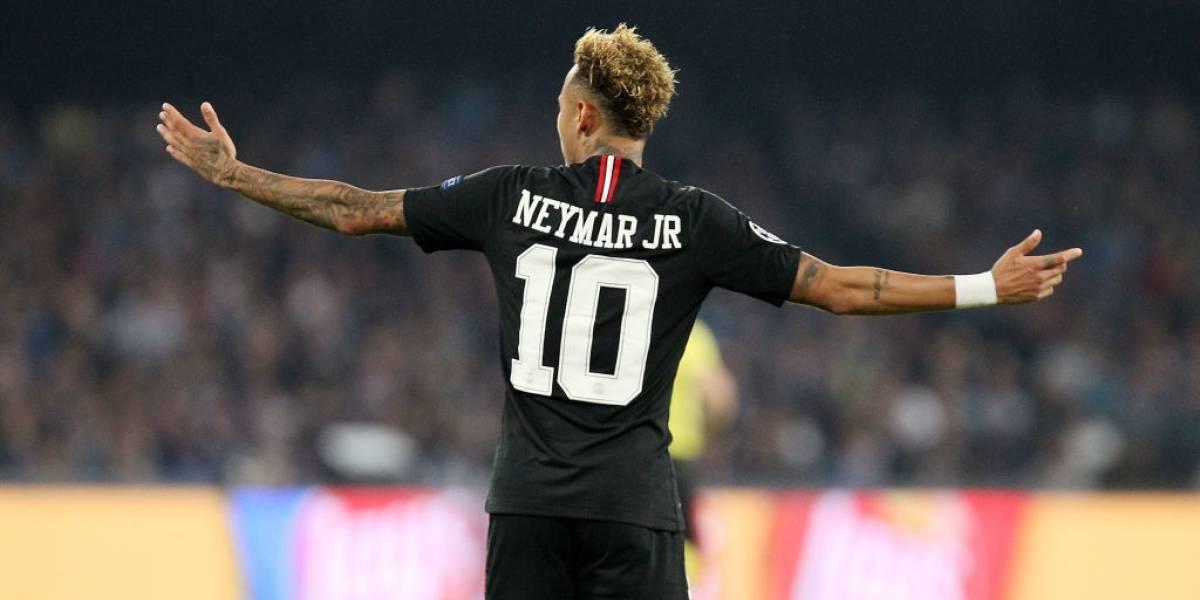 Neymar cobra por aplaudir a su afición ¡375.000 euros!