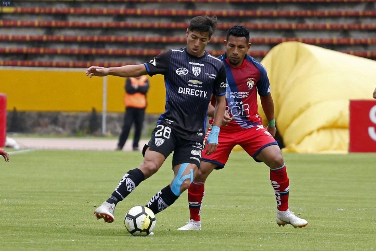EL NACIONAL vs INDEPENDIENTE DEL VALLE en el Estadio Atahualpa.