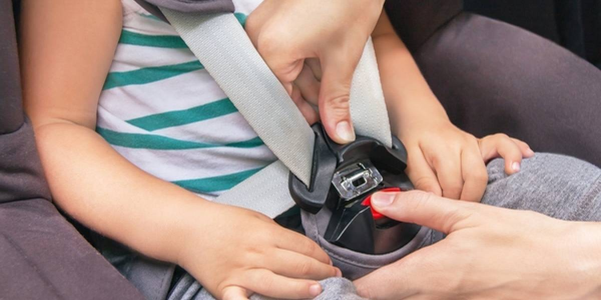 Roban vehículo en Sacatepéquez con un niño adentro y luego lo abandonan