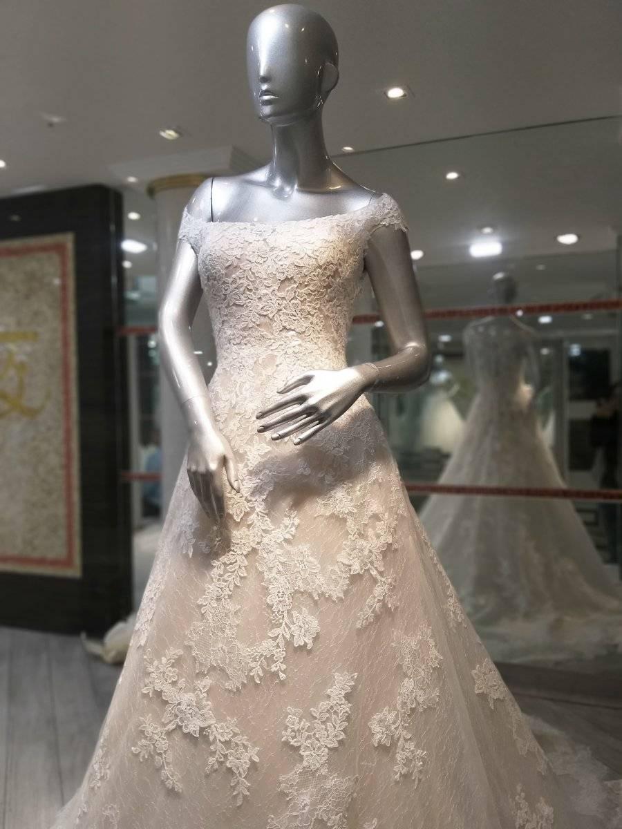 La correcta elección del vestido de novia no depende solo del aspecto físico de la afortunada, sino del ambiente que quiera conseguir en la celebración, además de que reflejará su personalidad. Foto: Plaza de la Novia