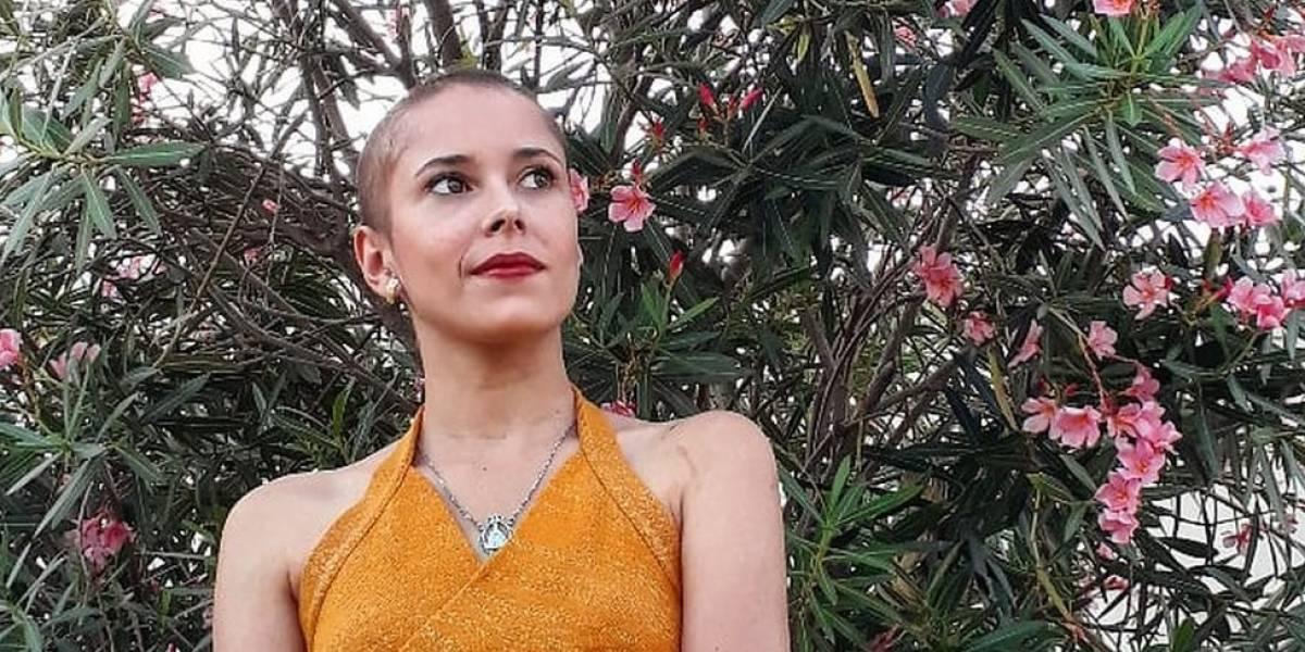 """""""Muitos dizem que sou maluca"""": as mulheres que não conseguem parar de arrancar o próprio cabelo"""