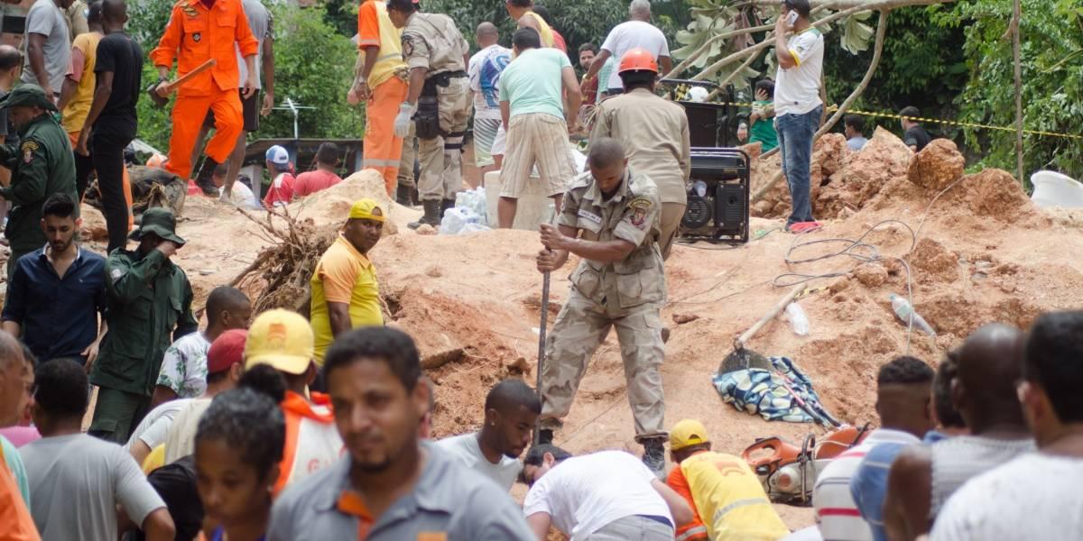 Sobe para 14 número de mortos em deslizamento em Niterói