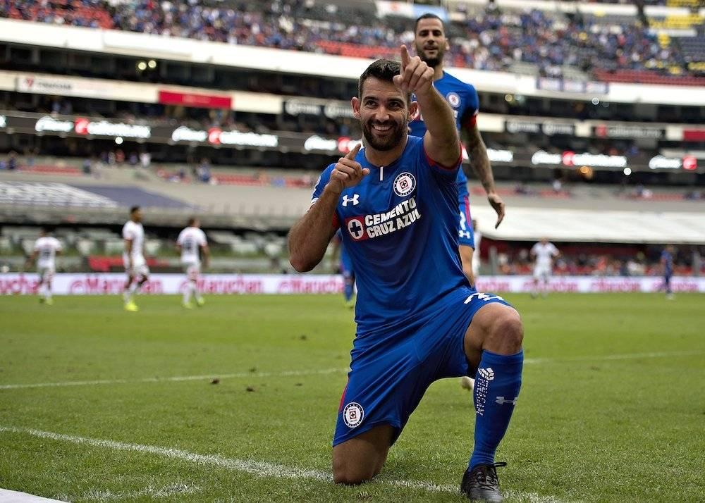 Martín Cauteruccio abrió el camino de la victoria celeste./ Mexsport
