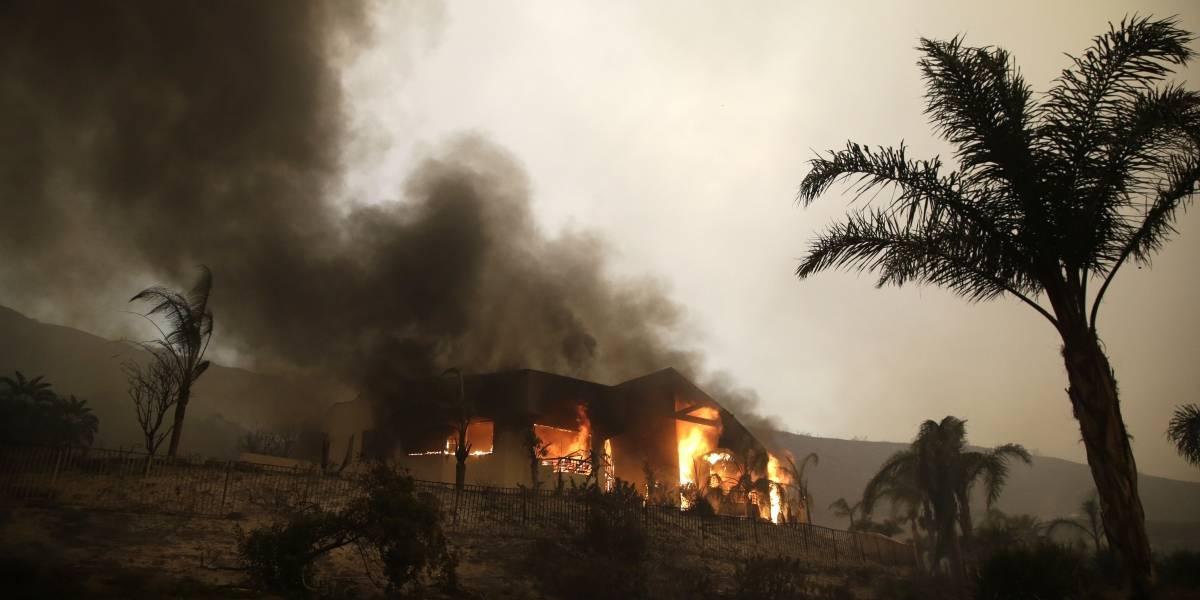 Varios muertos deja oleada de incendios en California