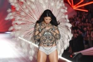 La modelo Adriana Lima se despide