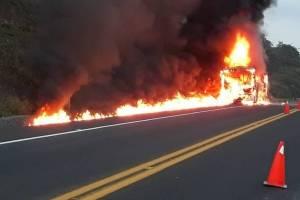 Incendio camión UNAM