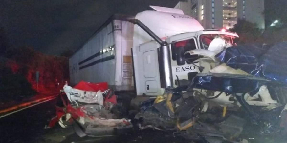 Vinculan a proceso a conductora de tráiler accidentado en la México-Toluca