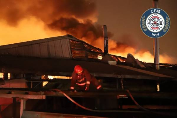 Incendio en la Calzada San Juan.