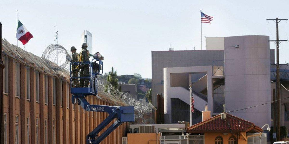 Mil 500 militares vigilan frontera de Arizona con Sonora