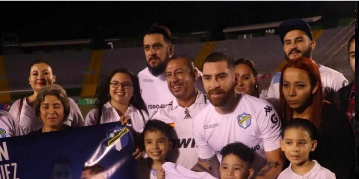 Márquez alcanza un récord y su familia lo celebra con un emotivo gesto