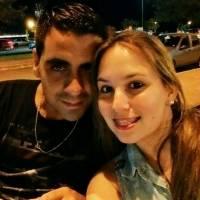 Jose Acosta y su futura esposa