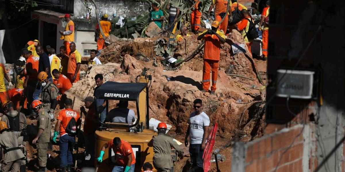 Prefeitura promete aluguel social e casas após deslizamento em Niterói