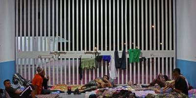 Caravanas migrantes avanzan hacia Irapuato, Guadalajara y Puebla
