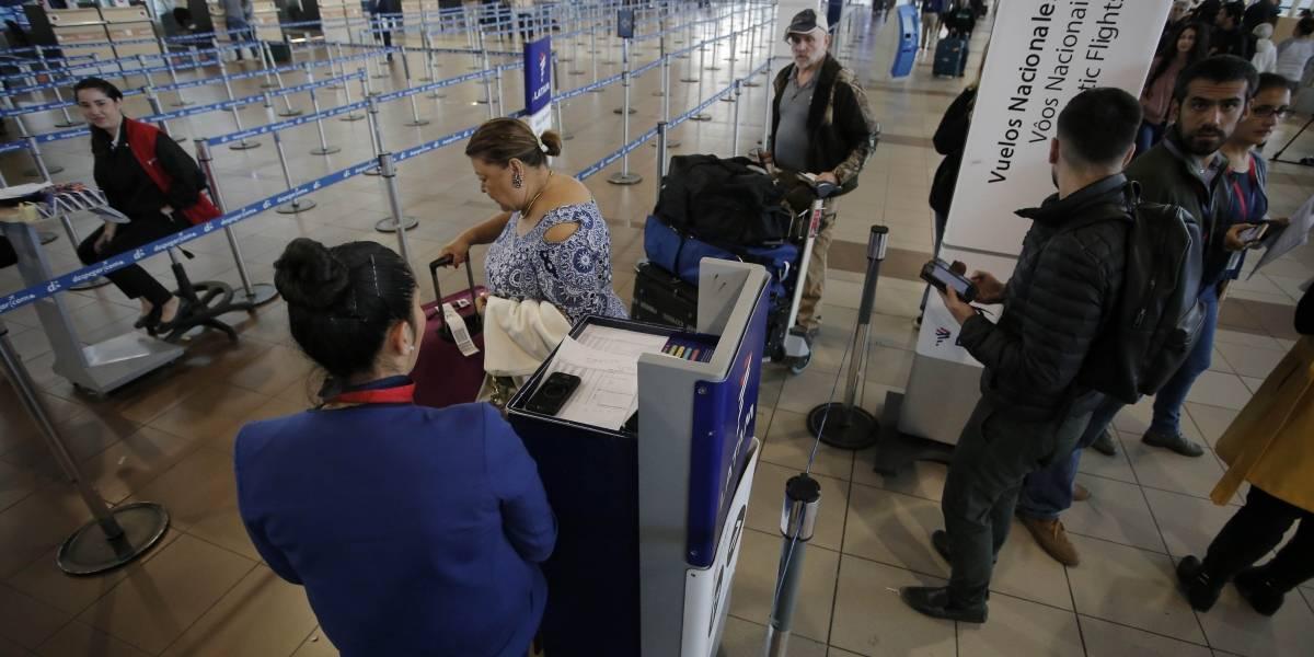 Se querían pasar de listos: detienen en aeropuerto Pudahuel a 4 turcos con pasaportes falsificados